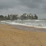 Beach 150 metres away, careful swiming, Mt Lavinia hotel