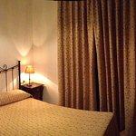 Panorámica de la habitación dorada