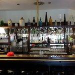 gut ausgestattete Bar