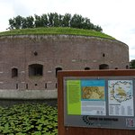 Torenfort met informatie over Stelling van Amsterdam