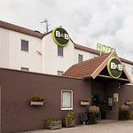 B&B Hôtel Calais Centre Saint Pierre