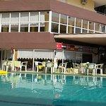 Hotel a medencével