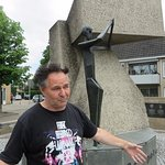 Murk describes the Polish Memorial to their airborne troops in Driel.