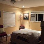 Beachway B&B Suites Photo