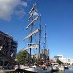 Photo de Antwerp's Port