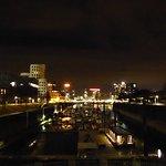 Medien-Hafen bei Nacht
