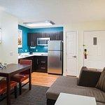Studio Suite – Kitchen