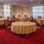 Meeting Room  - Rounds Setup