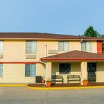 Photo of Econo Lodge Lansing