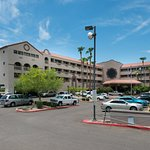Photo of Holiday Inn Phoenix-West