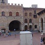 Piazza della Cisterna Foto