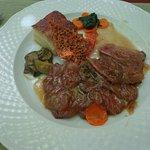 Magrets de canard, fondue d'échalottes, ses légumes & gratin dauphinois
