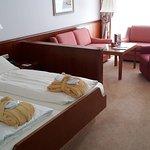 Das Zimmer mit Couchgarnitur