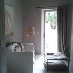 Salon de Diotis vers la terrasse