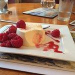 Vanilla pannacotta - yummy!