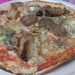 Pizza avec chevre de ste maure et rillons