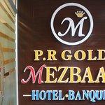 Gold Mezbaan Hotel
