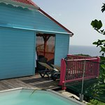 """bungalow """"lagon bleu"""" et sa piscine"""