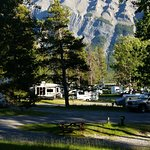 Tunnel Mountain Trailer Court Campground Foto