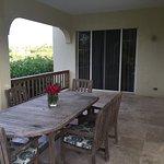 outdoor dining area villa 4