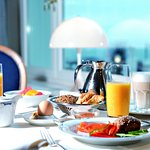 Frühstück vom Buffet im Kurhaus Restaurant