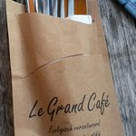 Le Grand Cafe Foto