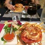 Photo de Gasoline Wine & Burger