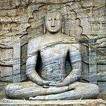 Polonnaruwa & Anuraddapura