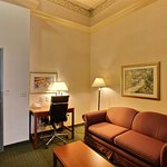 Photo de Holiday Inn Hotel & Suites Madison West