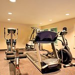 Foto de Holiday Inn Express Hotel & Suites Milwaukee Airport