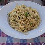 Garlic and basil spaghetti