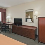 Photo of Holiday Inn Express Evansville West
