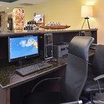 Foto de Holiday Inn Express & Suites Austin - Sunset Valley