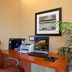 Photo de Holiday Inn Express Newport Beach