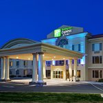 Holiday Inn Express Suites Carson