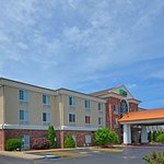 Photo of Holiday Inn Express Hotel & Suites Farmington