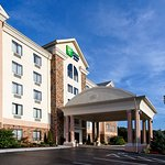 Photo de Holiday Inn Express Hotel & Suites Kingsport-Meadowview I-26