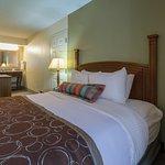 Foto de Staybridge Suites Memphis - Poplar Ave East