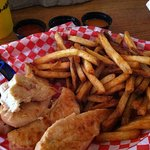 ภาพถ่ายของ McDougal's Chicken