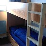 Chambre 7 à 2 lits, vue sur le jardin et salle à manger