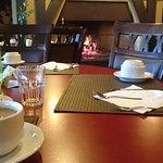 Cafe da Manhã ao lado da lareira