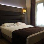 Photo de Hotel Renoir