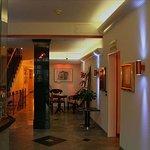 Photo de Hotel Alfa