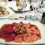 Wir waren dort zu Fünft essen. Unsere Gruppe bestand nur aus Gastroleuten aus Sushirestaurants.