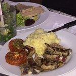 Foie gras, Côtelettes d'agneau et Entrecôte....original et hygiénique le pain servit dans des sa