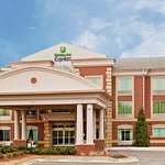 Photo of Holiday Inn Express Hotel & Suites Memphis Germantown