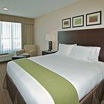 Foto de Holiday Inn Express Hotel & Suites Grants-Milan