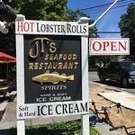Lobster roll parfait hamburger délicieux et scampis grillés de folie on y retournera pour une gl