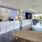 First time in town? Front Desk will help plan your visit