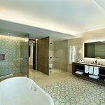 Hilton Capital Grand Abu Dhabi Foto
